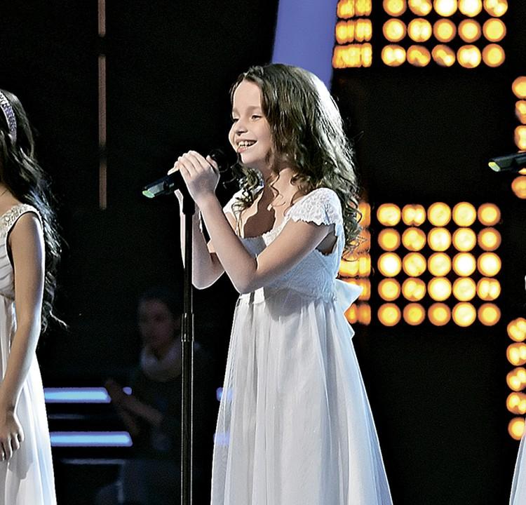 В «Премии Муз-ТВ» примет участие победительница детского «Голоса» Алиса Кожикина.