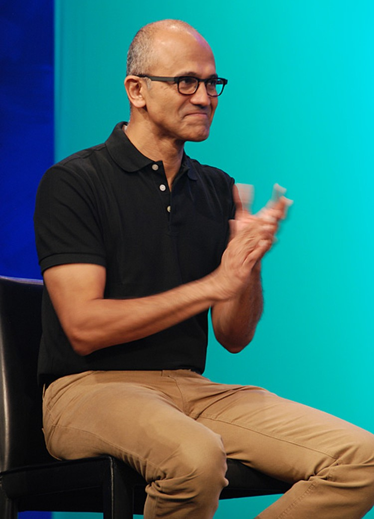 Нашим ребятам аплодирует сам Сатья Наделла, глава корпорации Microsoft