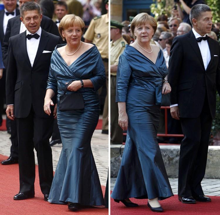 Дотошные баварцы тут же вспомнили, что в том же самом платье политик уже появлялась у них в гостях: слева Меркель на Вагнеровском фестивале в 2008 году, справа - в 2012.