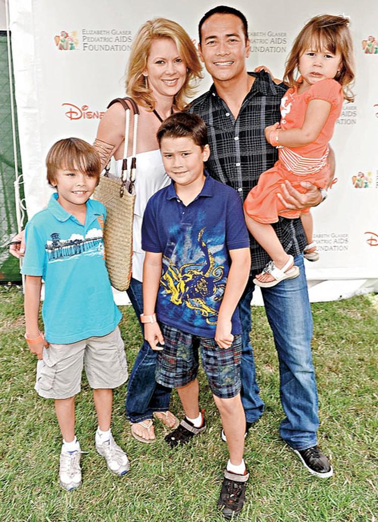 С будущей женой - актрисой Джули Кондра - Марк познакомился на съемочной площадке. Теперь у них трое детей. Фото: Getty Images/Fotobank.ru