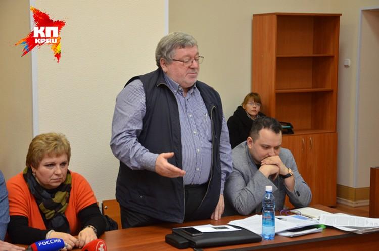 Мировой суд оправдал Бориса Мездрича по административной статье. Но несмотря на это, поста директора новосибирского оперного Мездрич лишился.