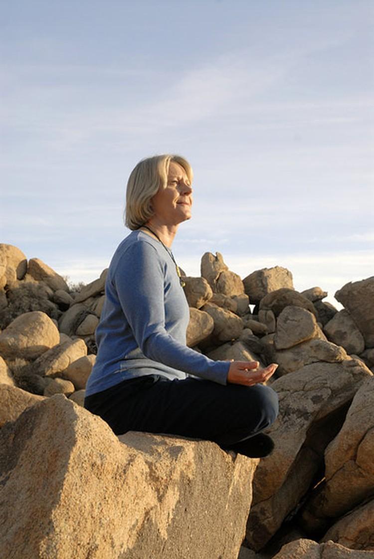 Учитывая повышенную хрупкость костей, важно не переборщить, занимаясь силовыми тренировками.