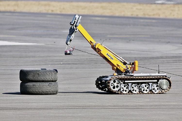 Мобильный робот «Варан» может и разведку провести, и бомбу обезвредить.