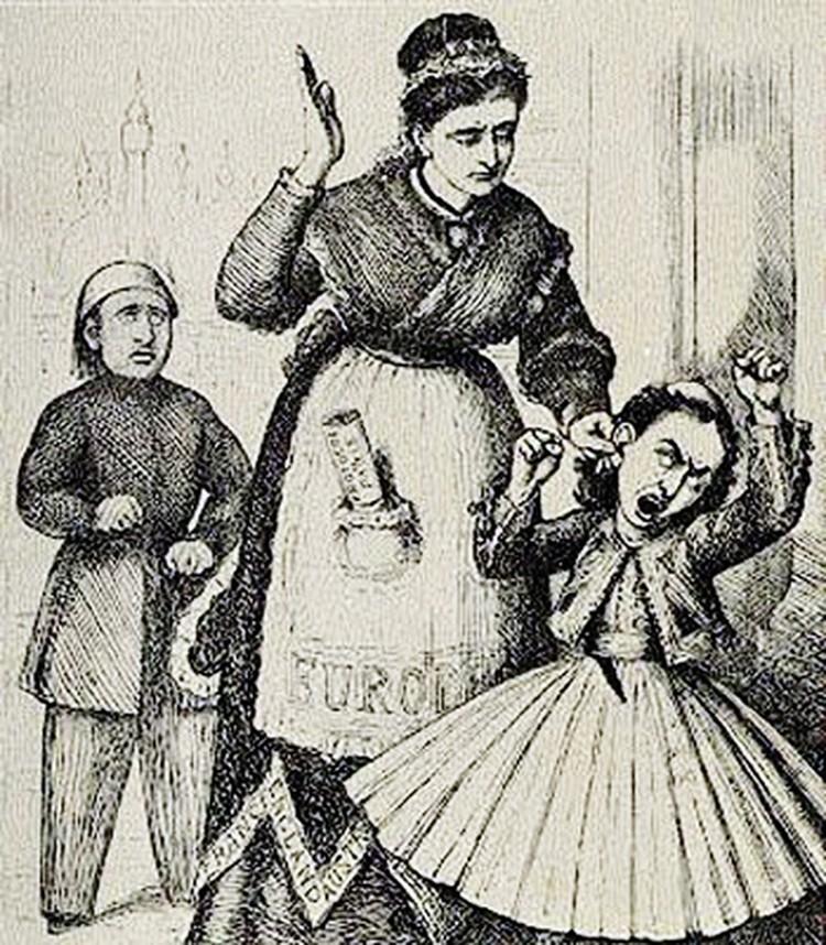 В конце XIX века «матушка Европа» (в центре) уже наказывала строптивую «дочку Грецию» (справа) за то,  что та слишком ополчилась на соседа-турка (он - за спиной «Европы»). Так это виделось тогдашним карикатуристам. Фото: ru.wikipedia.org