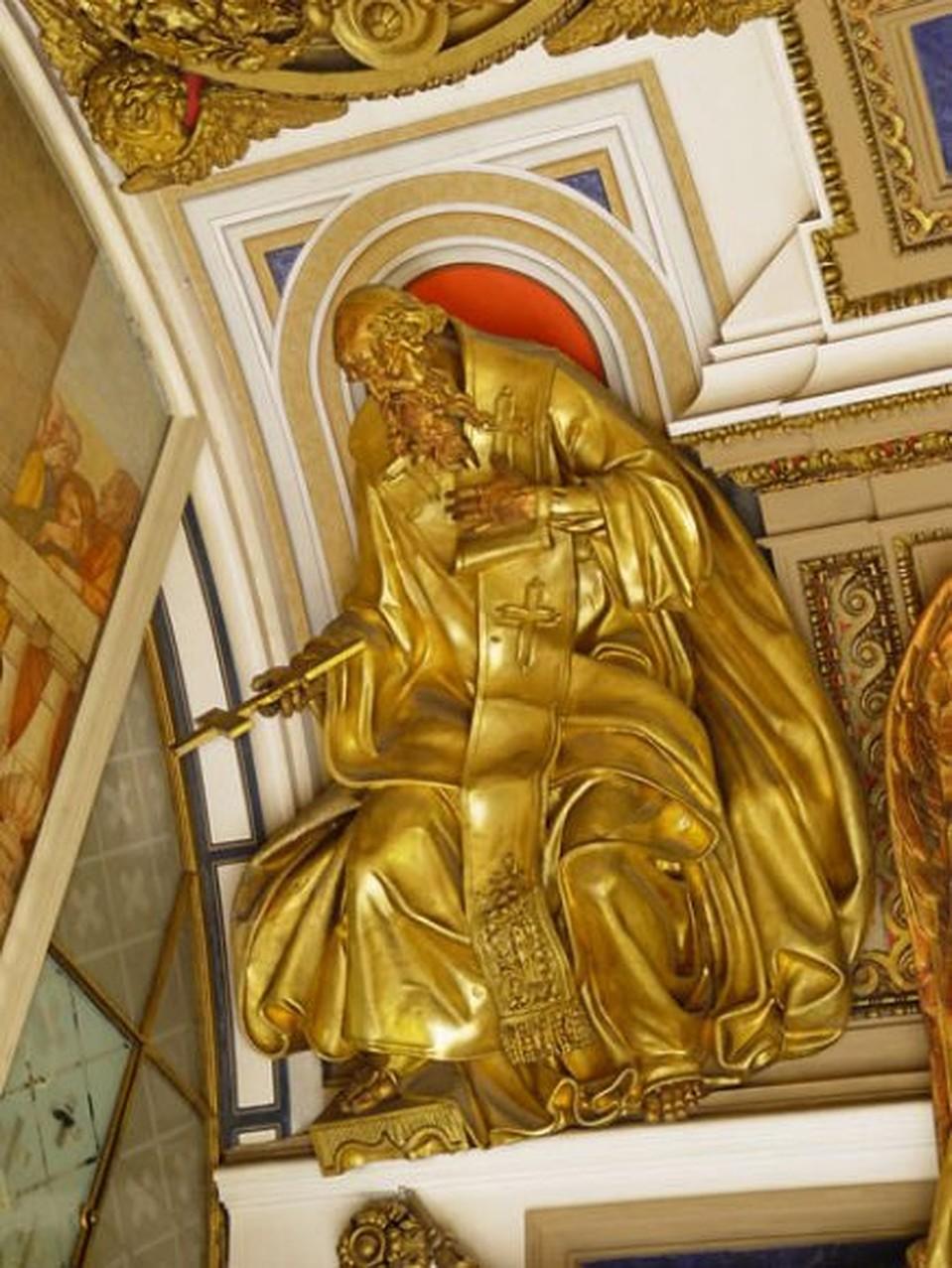 Апостолы в Иисакиевском соборе из меди, а у Радзивиллов были из золота. Фото:isaac.spb.ru.