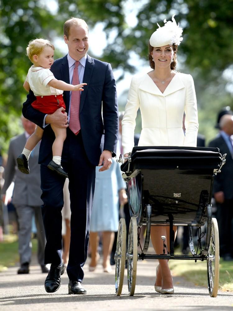 Многие предполагали, что пара даст новорожденной имя Диана — в честь матери Уильяма.