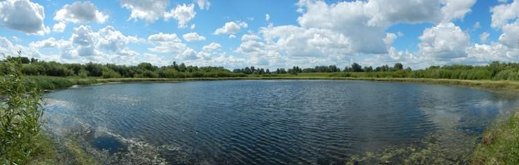 Необычное круглое озером недалеко от поселка Стрелецкое Фото - Николай Субботин