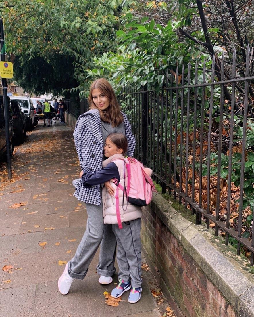 Виктория Боня с дочкой Анджелиной.