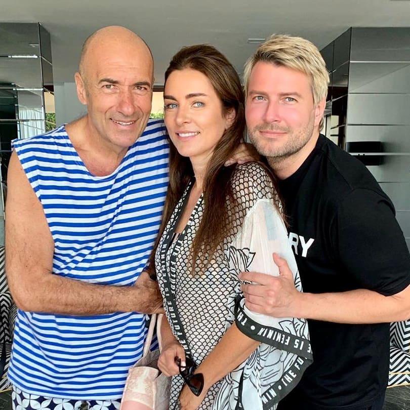 С женой Ольгой и с Николаем Басковым.