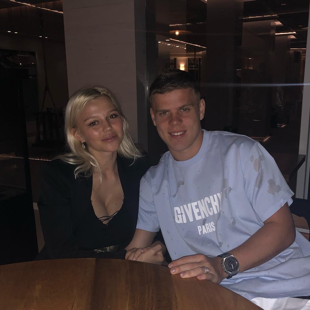 Александр Кокорин и его гражданская жена Дарья Валитова