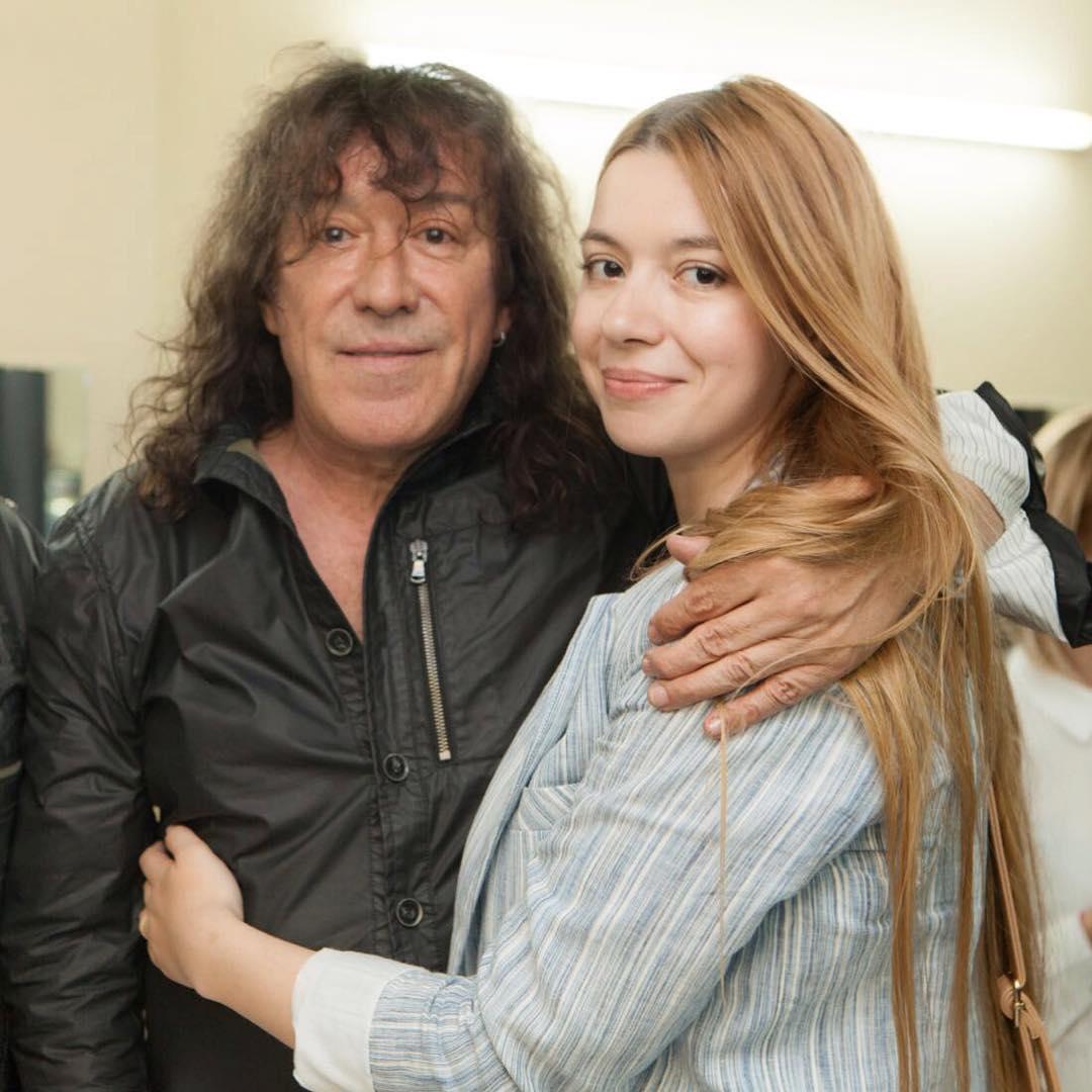 Владимир Кузьмин с дочкой Соней.