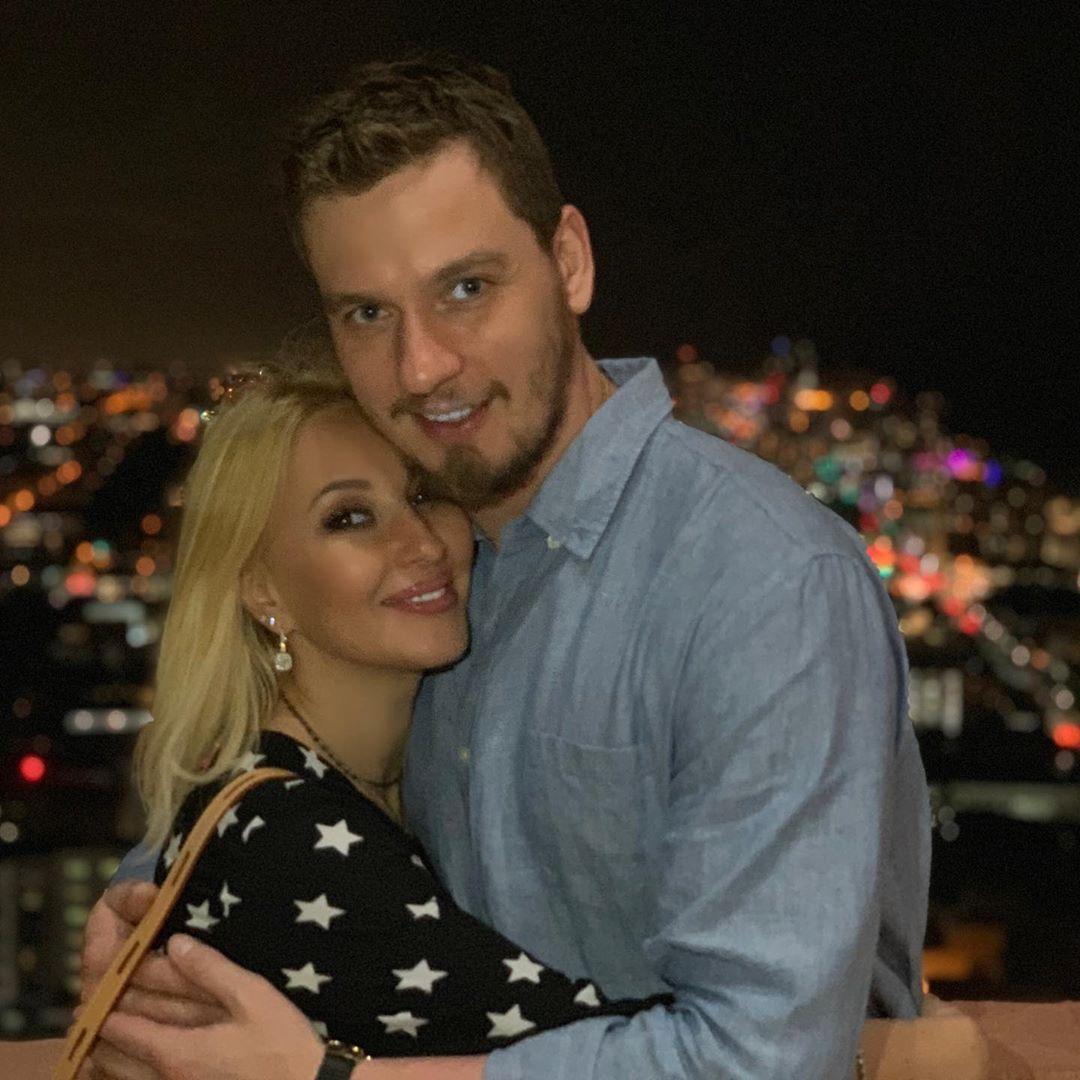 Лера Кудрявцева с любимым мужем