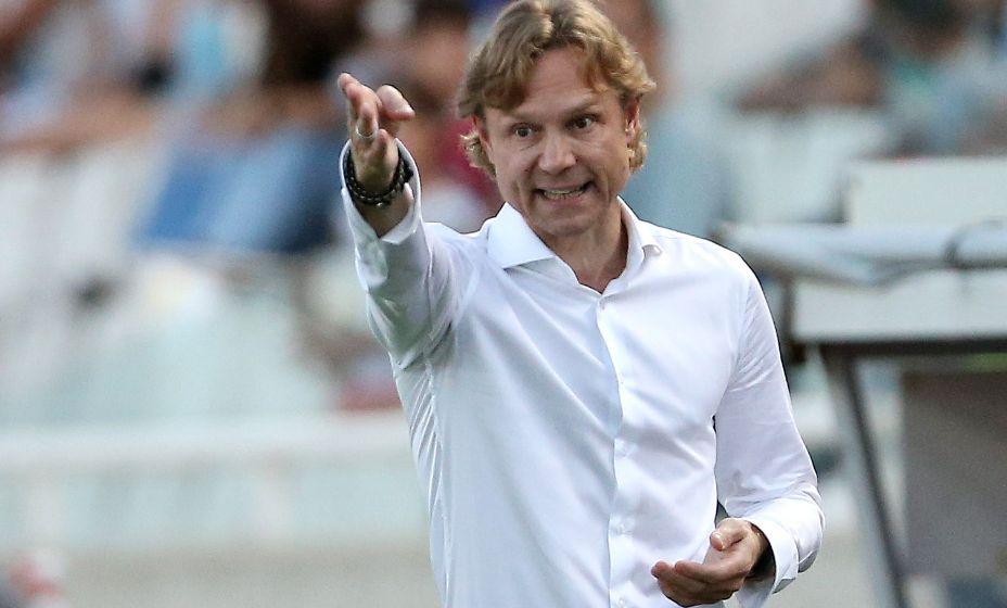 Валерий Карпин постепенно привыкает в работе в сборной. Фото: Reuters